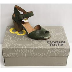 COQUE TERRA  SZ 5 CRUST GREEN MID HEEL SANDALS