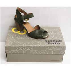 COQUE TERRA  SZ 6 CRUST GREEN MID HEEL SANDALS
