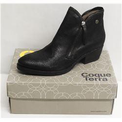COQUE TERRA  SZ 9.5 SAFARI BLACK MID HEEL BOOTS