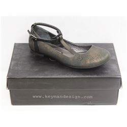 KEYMAN DESIGN SZ 9.5 RUSTY BLACK FLATS