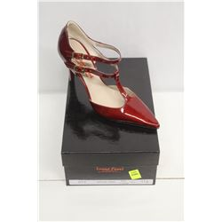 LAURA FERRI SZ 8.5 RED T-STRAP STILETTO