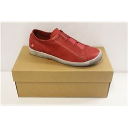 SOFTINOS SZ 6 WASHED RED SLIP ONS SNEAKERS
