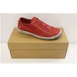SOFTINOS SZ 9 WASHED RED SLIP ONS SNEAKERS