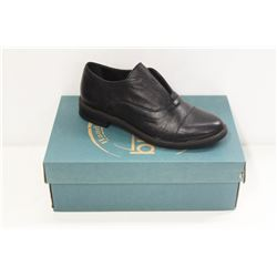 BUENO SZ 8.5 BLACK LEATHER PATTY SHOES