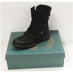 BUENO SZ 9 BLACK NUBUCK GRETA BOOTS