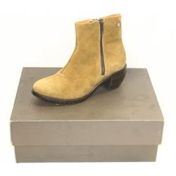 GROTEQUE SZ 6 TAN ANKLE BOOTS