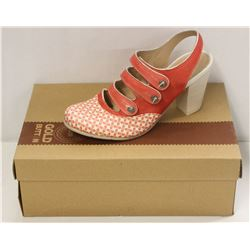 GOLD BUTTON SZ 6.5 LOVELY CORAL MID HEEL COURT