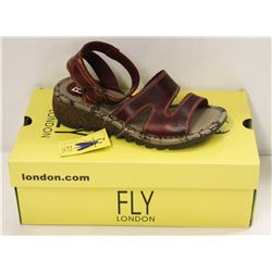 FLY LONDON SZ 6 RED BRIDLE SANDALS