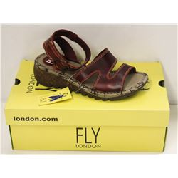 FLY LONDON SZ 8.5 RED BRIDLE SANDALS