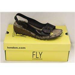 FLY LONDON SZ 7.5 BLACK BRIDLE SANDALS