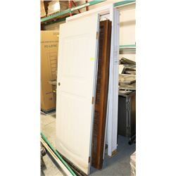 STACK OF ASSORTED DOORS AND BIFOLDS