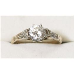 9 KT YELLOW GOLD SOLITAIRE RING