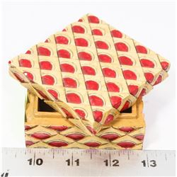 HAND MADE STONE LIDDED RED SCALE DESIGN TRINKET