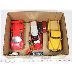 BOX W/COLLECTIBLE DIECAST CARS & TRUCKS