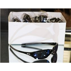 BLACK OAKLEY STYLED SUNGLASSES WITH BLUE LENSE
