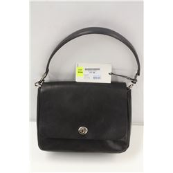 M0851 BLACK MEDIUM FLAP TURNLOCK BAG