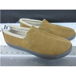 New Mossimo Slippers Genuine Suede size 11 / non marking sole