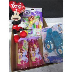 Bundle of New girls items / Disney Frozen water Bottles/ Elsa sparkel Frozen