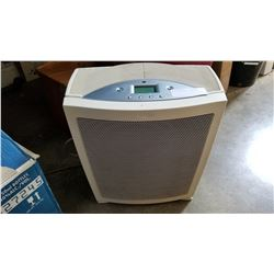 WHITE HUMIDIFIER - WORKING