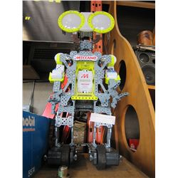 MECCANO MOTORIZED ROBOT, WORKS