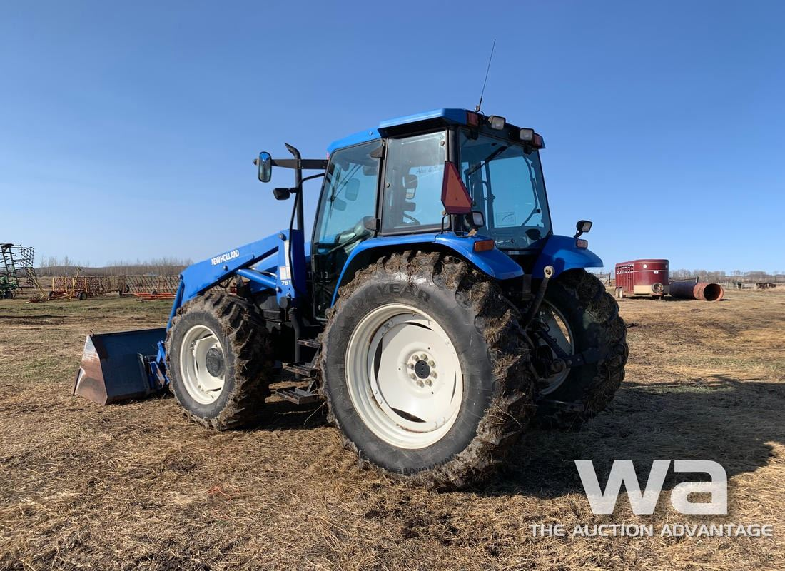 2000 NEW HOLLAND TS110 MFD TRACTOR