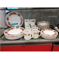 30+ Pieces of Vintage Indopal Christmas Dishes
