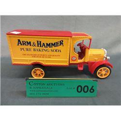 Ertl Steel & Plastic Arm & Hammer Bank