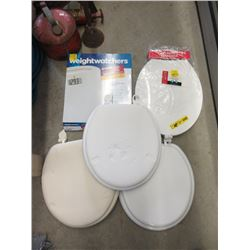 4 Toilet Seats & Weigh Scale