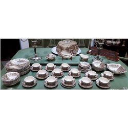 COLLECTION OF APPROX 65 PC JOHNSON BROTHERS OLDE ENGLISH COUNTRYSIDE IRON STONE DINNER SET