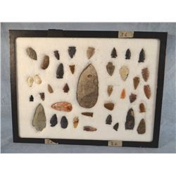 Tray of arrowheads/points, 35 pcs., 2 elk ivories, all Montana