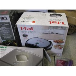 T-FAL - REMOVABLE EZ CLEAN WAFFLE/ SANDWHICH MAKER