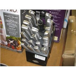 USED OSTER KNIFE BLOCK SET MISSING 1 PC