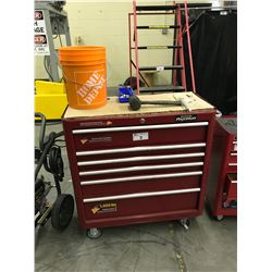 MASTERCRAFT MAXIMUM 6 DRAWER MOBILE TOOLBOX WITH CONTENTS