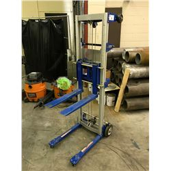 GLOBAL INDUSTRIAL GL8-STD 181 KG MOBILE PRODUCT LIFT