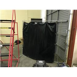 2 WELDING SCREENS