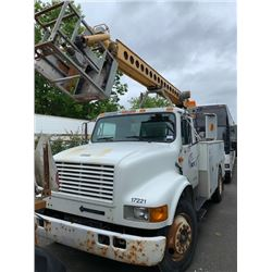 1993 INTERNATIONAL BUCKET TRUCK, WHITE, DIESEL, 7SPD MANUAL VIN#1HTSCPLL7PH516787, 278,625KMS,