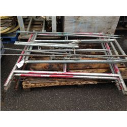 PALLET OF ASSORTED SCAFFOLDING PARTS