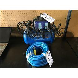 MASTERCRAFT 3 GALLON 120V 60 HZ 2.6 A 100 PSI AIR COMPRESSOR WITH HOSE