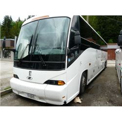 2004 MCI J4500 BODY STYLE NON-SCHEDULED BUS 57 PASSENGER CHARTER COACH W/AUTOMATIC
