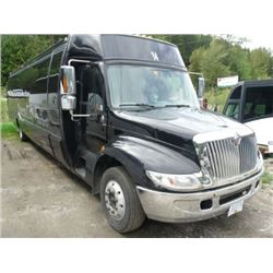 2008 INTERNATIONAL KRYSTAL MODEL 3200C BODYSTYLE NON-SCHEDULED BLACK TOUR BUS W/AUTOMATIC, DIESEL