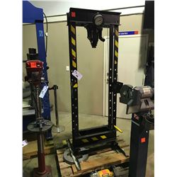 BLACK LARGE SCALE HEAVY DUTY HYDRAULIC PRESS SYSTEM WITH MARSH PRESSURE GAUGE