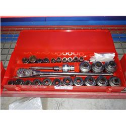 """SNAP-ON 3/4"""" DRIVE 12-POINT SHALLOW SOCKET SET IN CASE"""