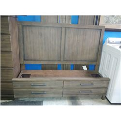 MODERN WOOD BEDROOM SET INCLUDING 6-DRAWER VANITY, 5-DRAWER DRESSER AND HEADBOARD, FOOTBOARD AND