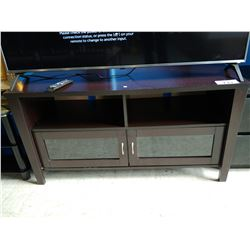 WOOD ENTERTAINMENT UNIT