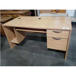 LIGHT WOOD OFFICE DESK