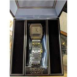 SEIKO QUARTZ STAINLESS STEEL WATCH WITH EXTRA BAND