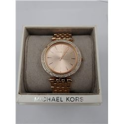 ROSE GOLD COLORED MICHAEL KORS WRIST WATCH IN BOX ( WATER RESISTANT 5 ATM)