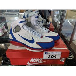 PAIR OF NIKE AIR ZOOM HUARACHE SHOES, SIZE 10