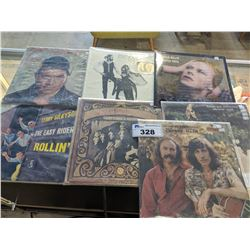7 VINYL RECORDS INCLUDING CROSBY & NASH, DAVID BOWIE, FLEETWOOD MAC AND MORE