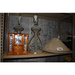 JEWELRY DISPLAY, PAIR OF LAMPS AND VASE